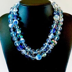 Vtg Dazzling Shades of Blue Glass Bead Necklace